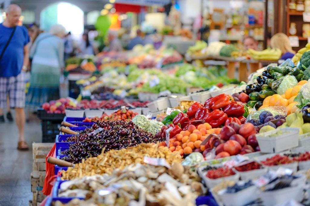 Marked - køb lokalt, frugter, rejser