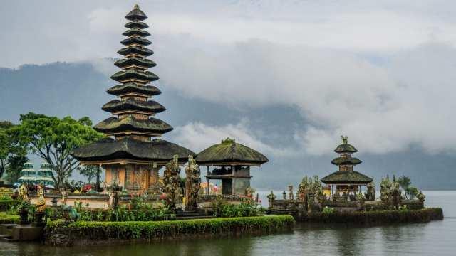 Indonesia - Bali, templer, reiser
