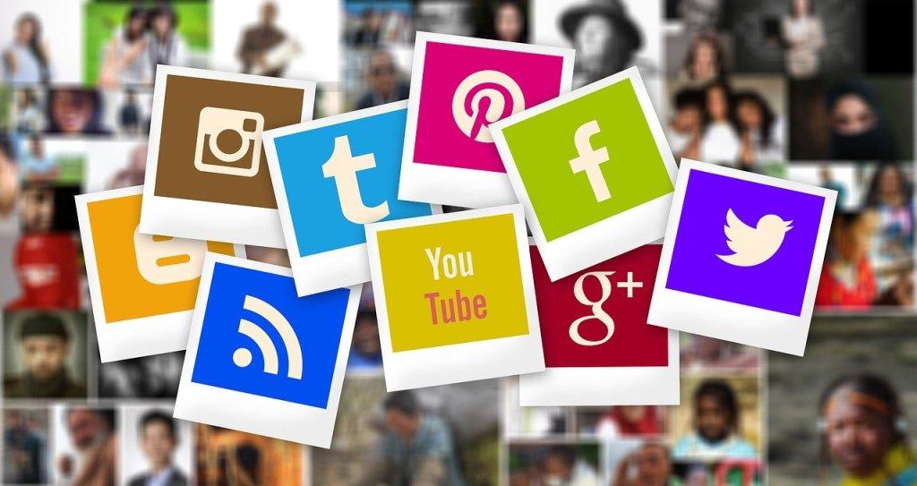 Sosiale medier, ikoner - reise