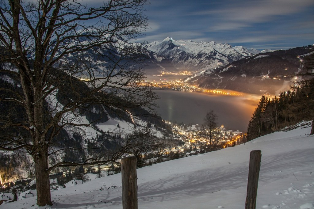 Zell Am See - Blick auf die Berge - Reisen - Skiurlaub in Österreich