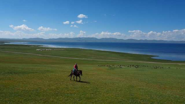 travel to Kyrgyzstan - horses nature - travel