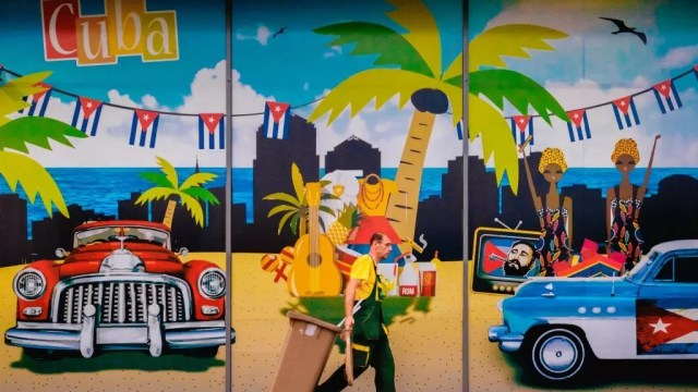 Cuba - Havana - mural - paglalakbay