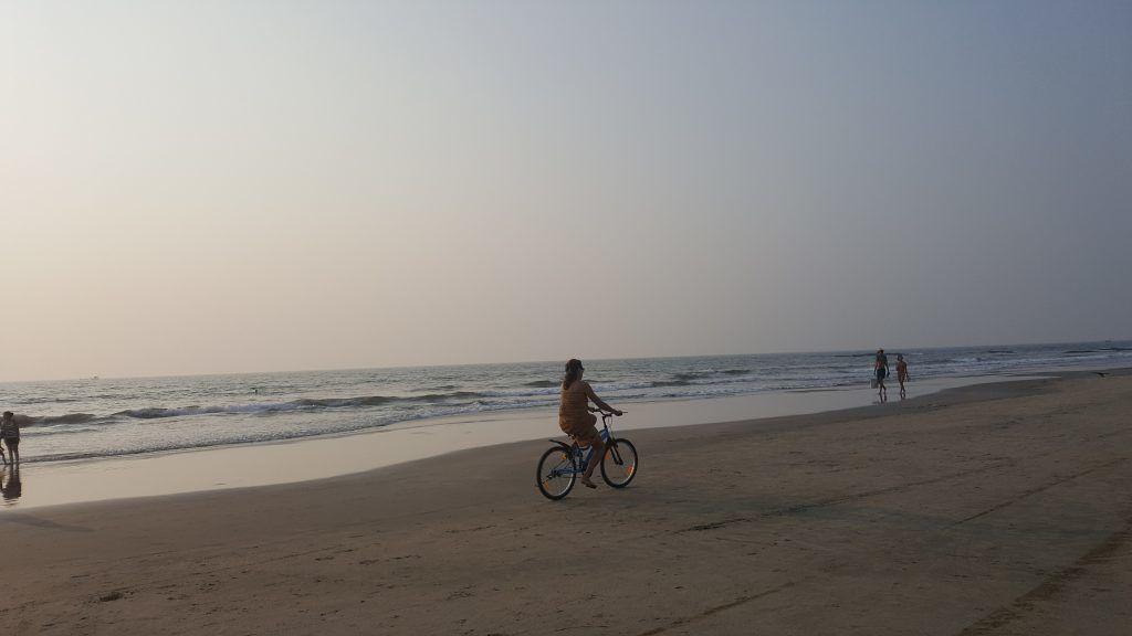Indien - Morjim Beach, cykel - rejser