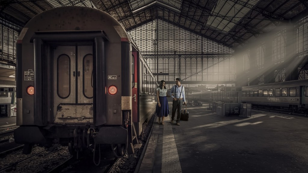 電車、鉄道駅-旅行