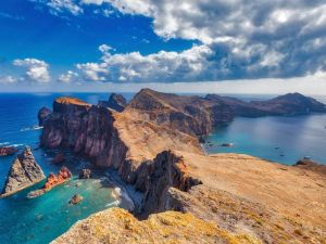 Portugalin Madeiran luontovuoret matkustavat
