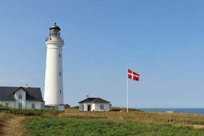 Danmark - Jylland, Hirtshals, fyr, Dannebrog - rejser
