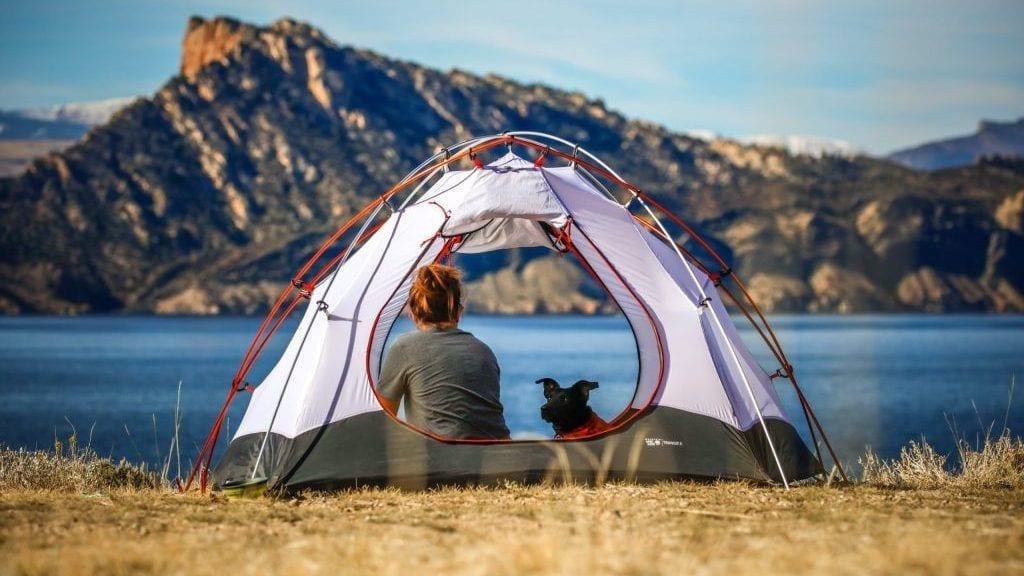 Telt, sø, bjerge - rejser