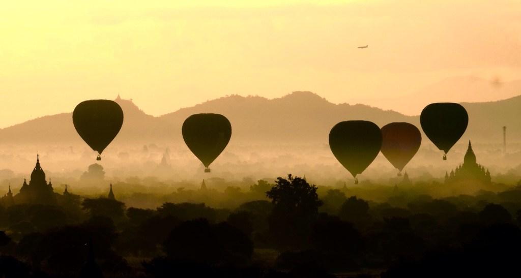 Myanmar - G`Bagan, luftballoner, morgen, rejse i Myanmar - rejser