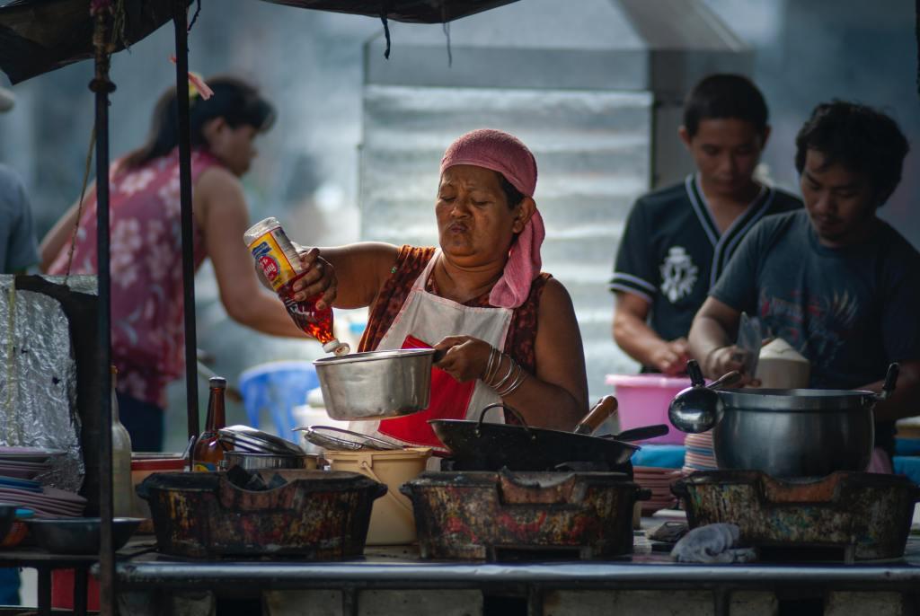 Surat Thani - Natmarked - Madmarked - Rejser - oplevelser i thailand