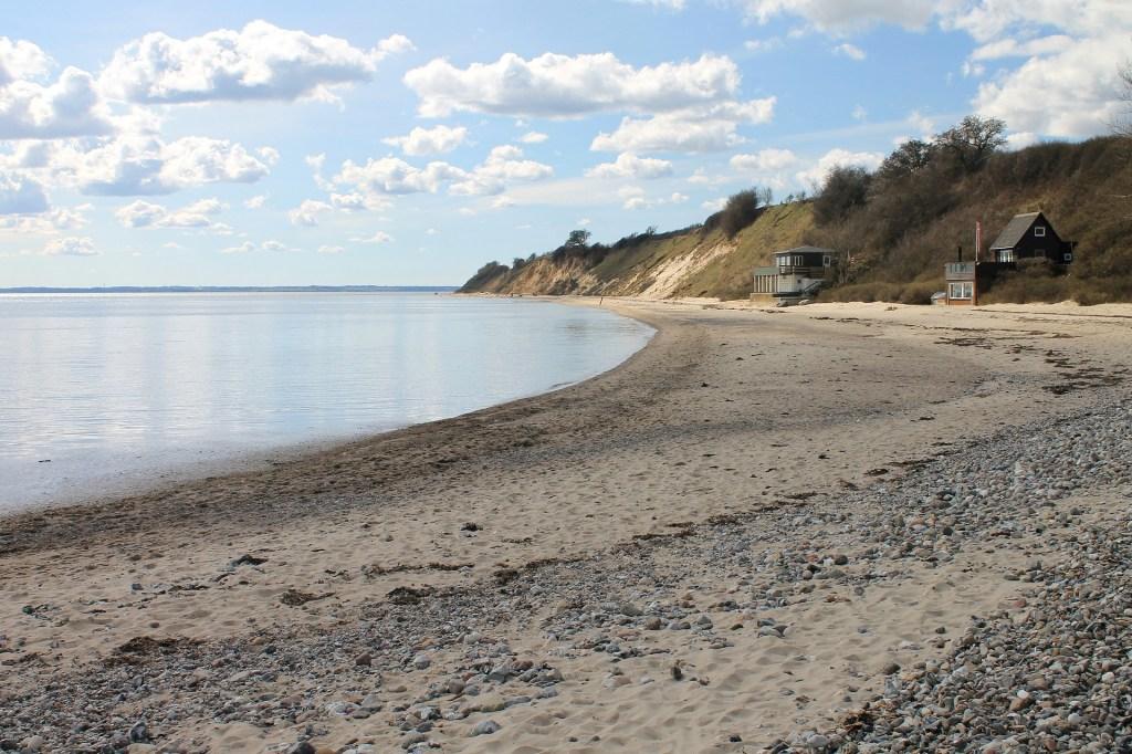 Mar - Praia dinamarquesa - Dinamarca - praia - casas de férias - viajar