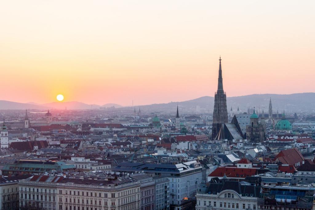 Wien - skyview - Østrig -katedral - wienerschnitzel - rejser