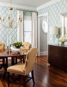 Dining-Room-Wallpaper-and-Chandelier.-Liz-Carroll-Via-House-of-Turquoise.