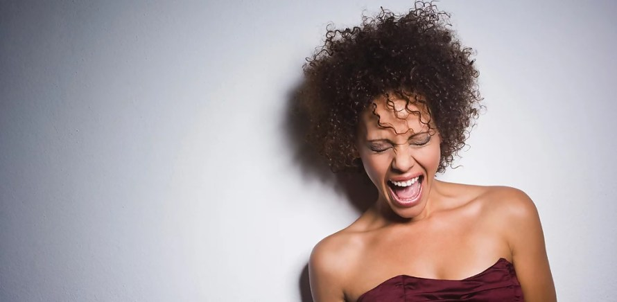 Black woman-dating-plight-curly hair-scream