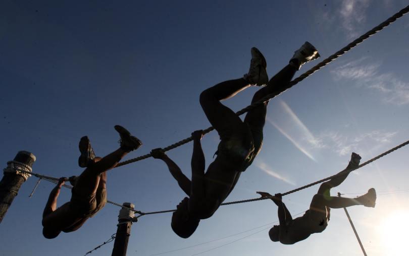 action-body-climb-761309.jpg