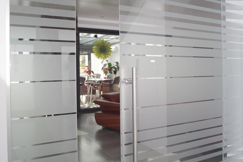 Kche und Wohnen  Glastren  Reli Glastechnologie