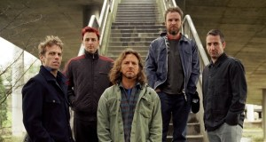 Pearl-Jam-nuovo-album-2013-Lightning-Bolt