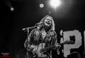 ROBBEN FORD: nuovo album strumentale ad Agosto