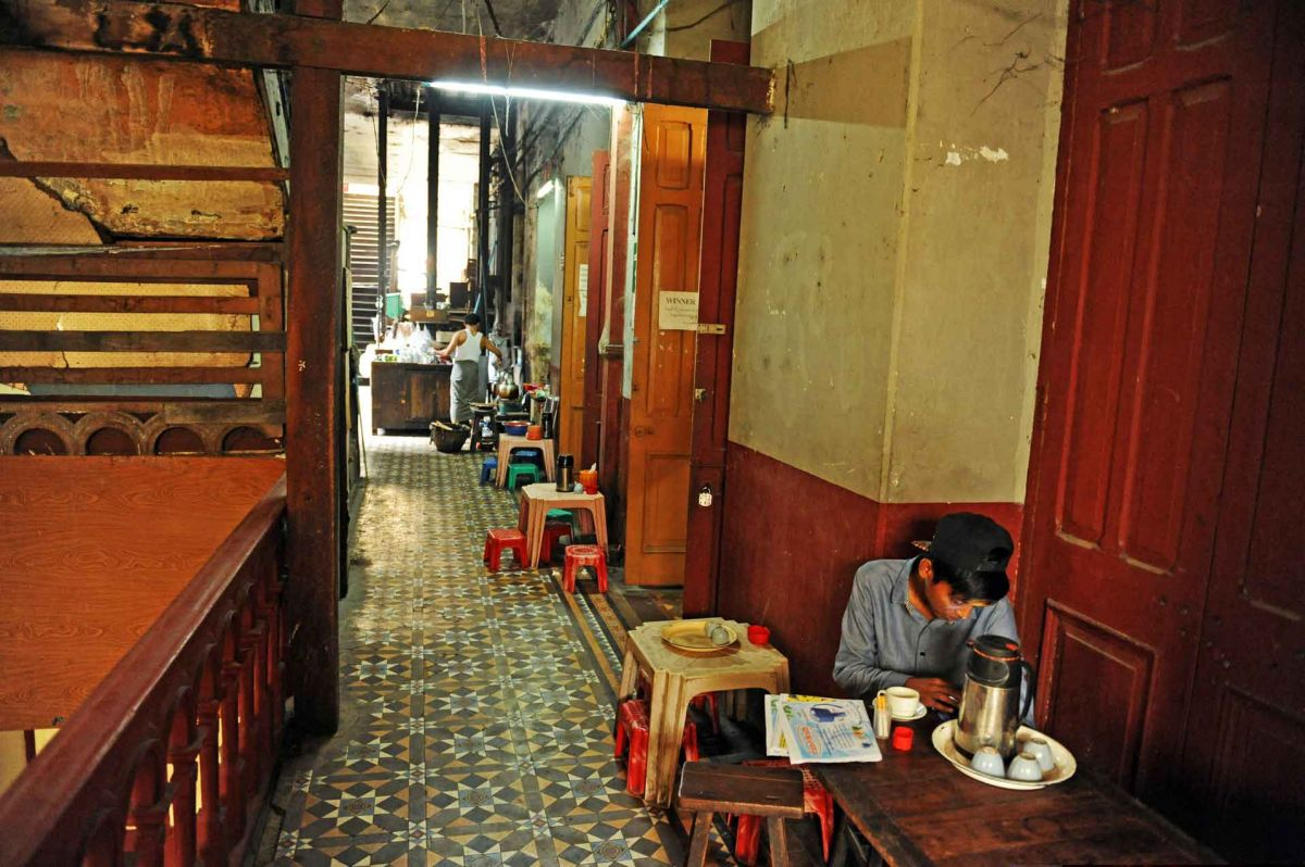 sofaer cafe yangon century furniture sofa quality the building relics of rangoon jpg dsc 5510 c28