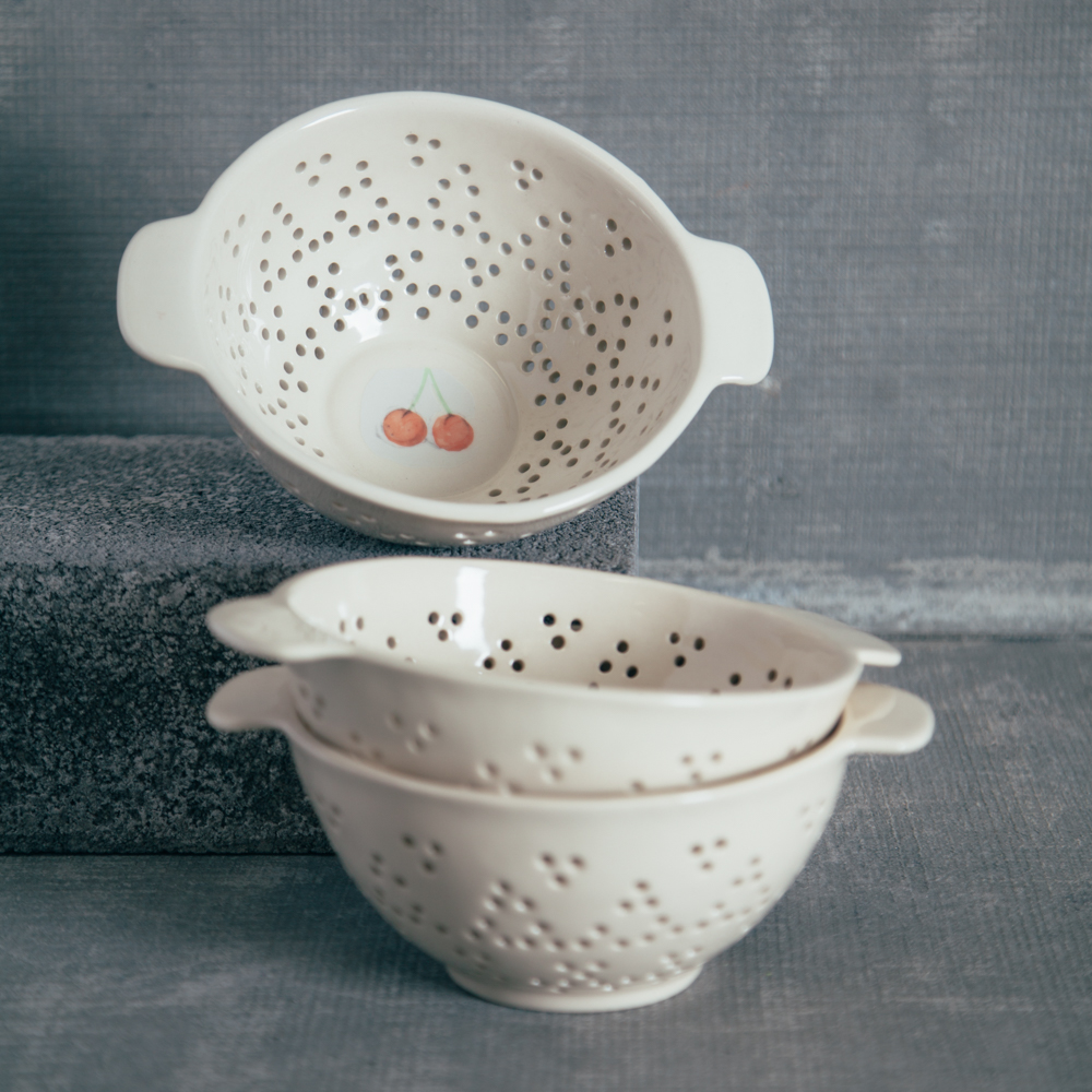 kitchen canisters ceramic little bakers rae dunn orchard colander - relish decor