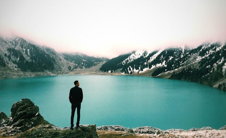 החלטה לצאת לרילוקיישן: שיקולים הקשורים במצב שוק העבודה, תגמולים, ותק בארגון ואפשרויות קידום