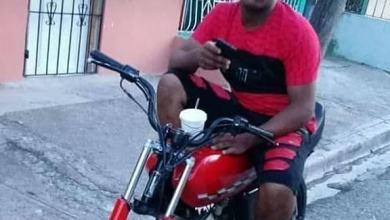 Photo of Joven muere electrocutado mientras volaba chichigua en Gualey