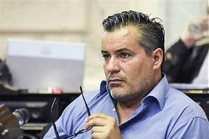 Photo of Renuncia diputado argentino que besó seno de su esposa durante sesión virtual