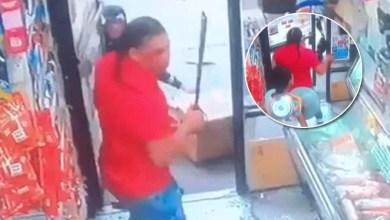 Photo of Cámara capta ataque con machete en bodega del Bronx NY