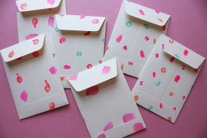 Party invitations for your housewarming party in Hong Kong.