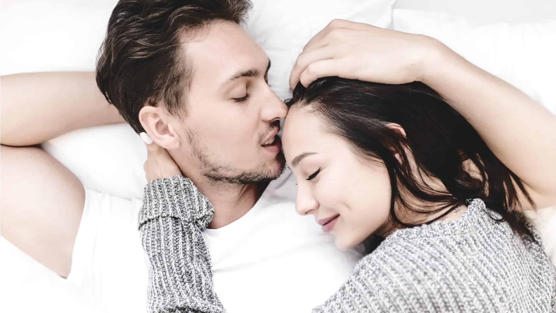 Use Non-Sexual Touching to Build Intimacy - VisiHow