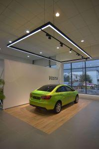 Световое каре Vesta и прожекторы на шинопроводе Elpro Sono в соответствии с новым дизайном бренда LADA