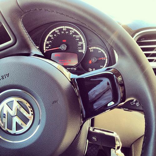 VW Beetle steering wheel gloss