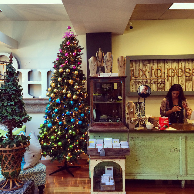 Festive decor & the cash wrap at Jux-ta-pose in Hyde Park Village