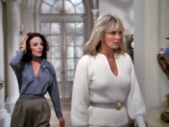 Krystle and Alexis of Dynasty, aka Linda Evans and Joan Collins. Fierce!