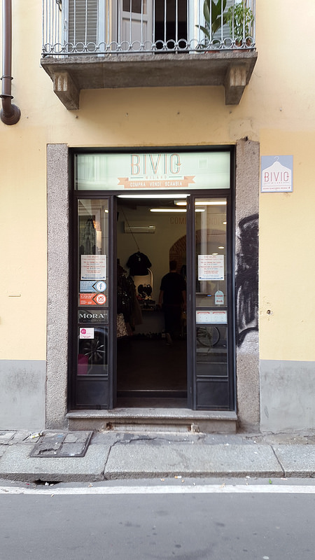 Bivio vintage on Via Mora