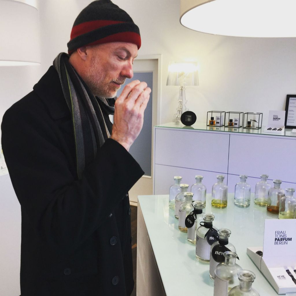 The Scent Junkie sniff-testing at Frau Tonis Parfum in Berlin