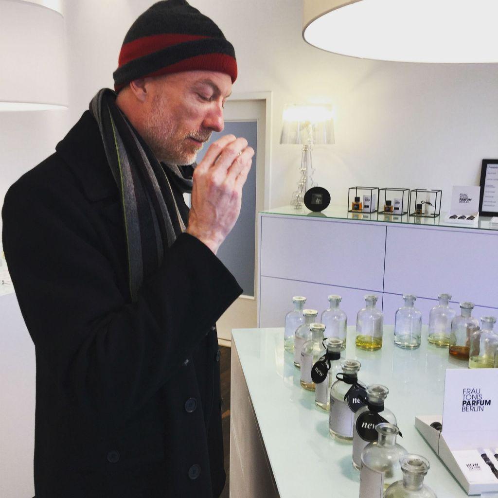 The Scent Junkie sniff-testing at Frau Tonis Parfum in Berlin