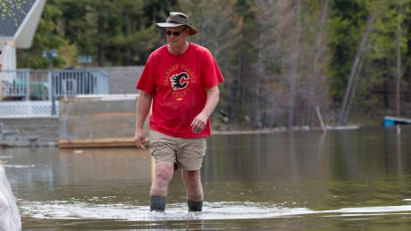 Twin Lakes residents brace for floods May 4, 2018 Tina Lovgreen/CBC