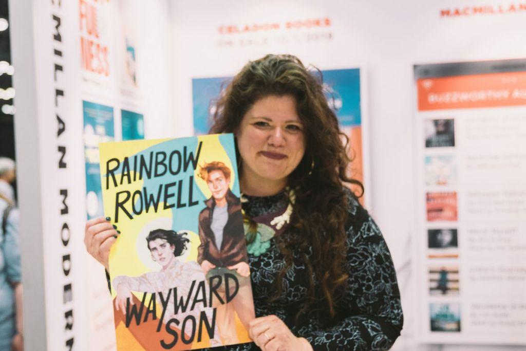 Foto da escritoras Rainbow Rowell