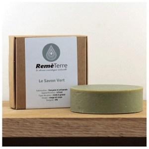 le-savon-vert-lutter-contre-acne