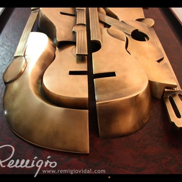 Guitarras - Escultura de fundición en bronce - Escultor Remigio Vidal
