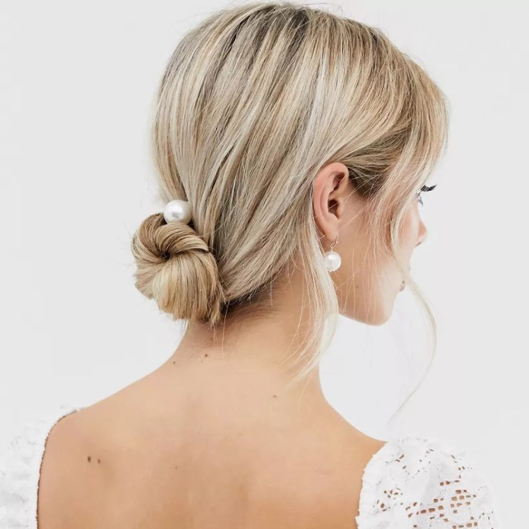 From Tiaras To Pearl Pins: 40 Cool Bridal Hair Accessories