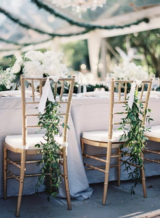 Tips To Add Garland To Your Wedding Decor