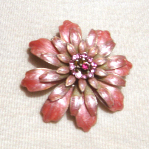 60s flower brooch rhinestones- The Remix Vintage Clothing