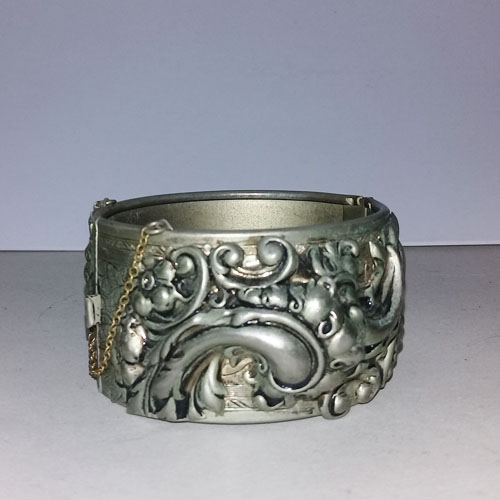 repousse cuff bracelet pewter whiting and davis style-the remix vintage fashion