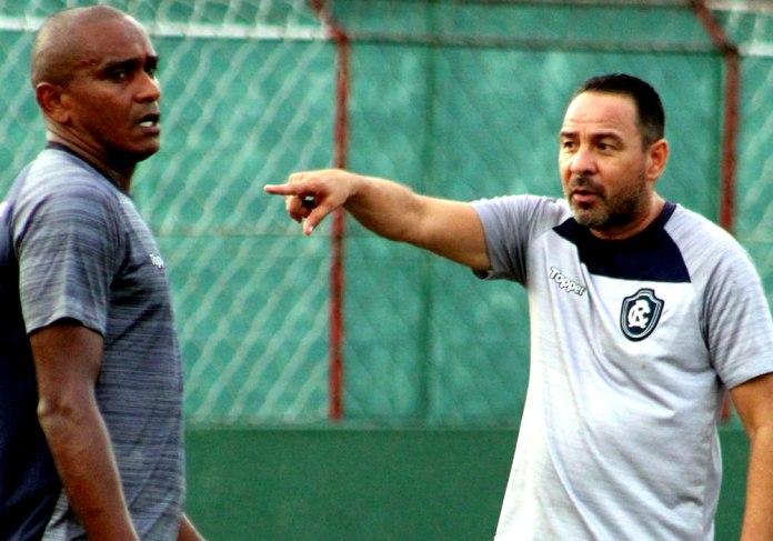 Isac e Artur Oliveira