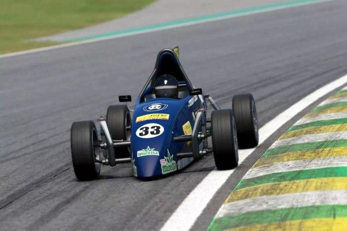 """Com a Fórmula Vee suspensa, """"Expresso 33"""" invade o mundo virtual em game automobilístico"""