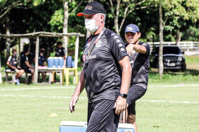 Bonamigo nega estratégia em treinos longe do Baenão e despista sobre titulares do Re-Pa