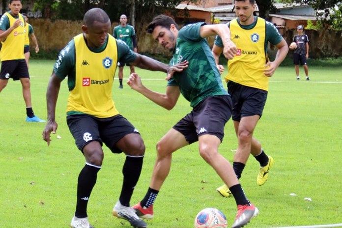Mimica, Lucas Siqueira e Renan Oliveira