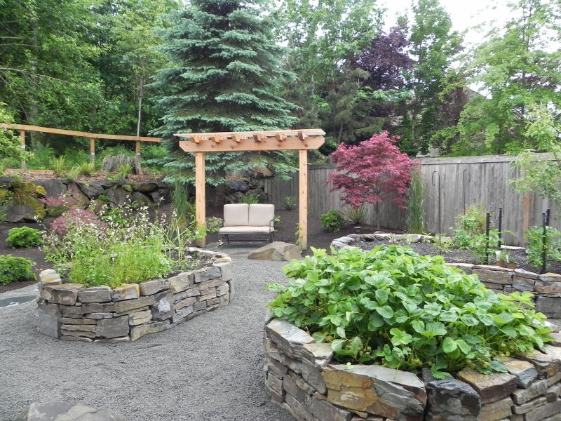 Dry Stacked Stone Beds