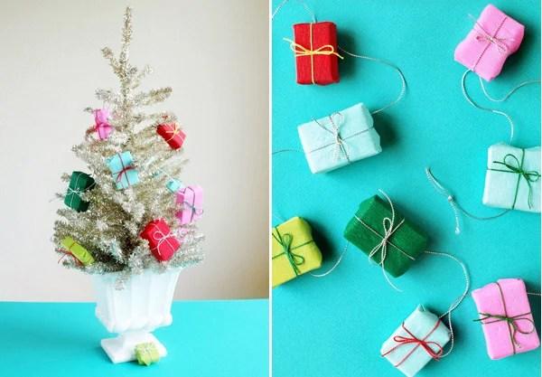 Mini Wrapped Present Garland